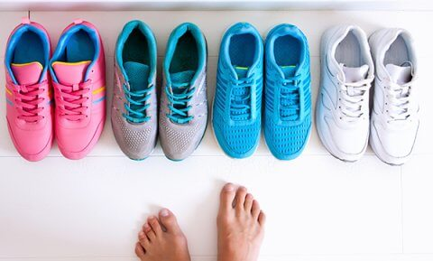 IMAGE - Several pairs of trainers