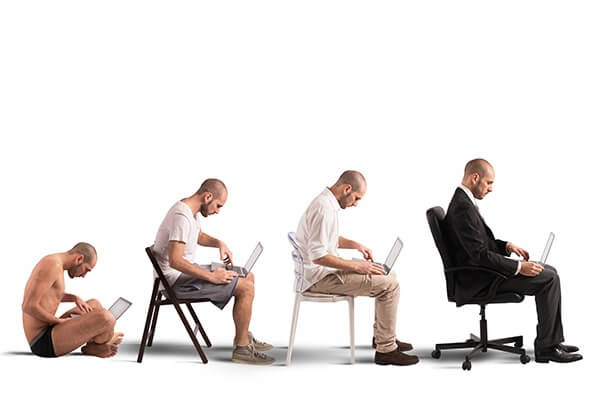 IMAGE - Evolution of man with laptop