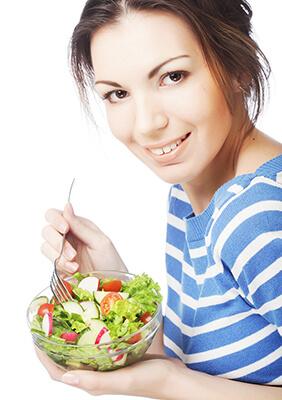 IMAGE - Lady eating salad