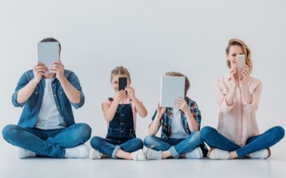 IMAGE - family screen time
